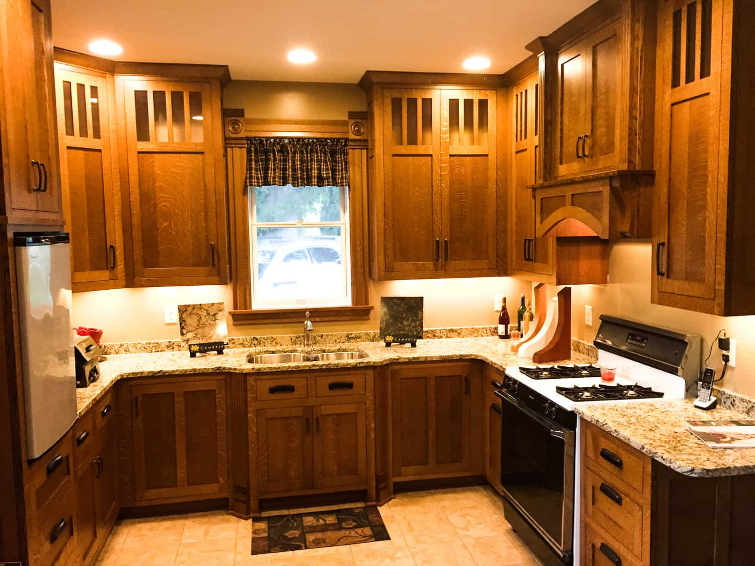 Custom Hardwoods Kitchen Cabinets